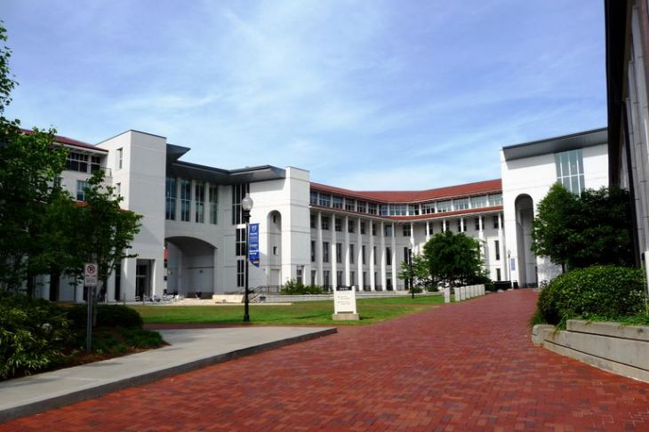 Goizueta_Business_School_-_rear-596f898b519de20011043b3f.JPG